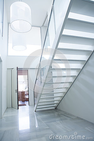 Free Modern White House Entrance Hall Lobby With Stairway Royalty Free Stock Images - 37211539