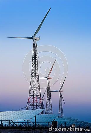 Free Modern Windmills And Solar Panels Royalty Free Stock Photos - 21867918