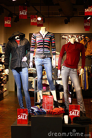 Modern Winter Clothing Retail Discount Sale