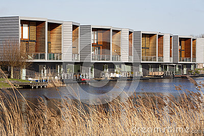 Moderne huizen royalty vrije stock fotografie afbeelding 37805137 - Eigentijds buitenkant terras ...
