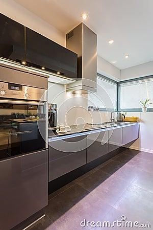Moderne keuken stock foto   afbeelding: 49622526