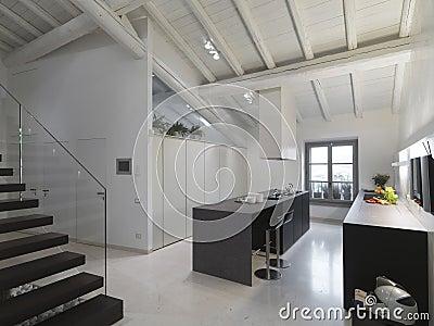 Moderne keuken in de zolder stock foto afbeelding 20858190 - Idee deco keuken ...
