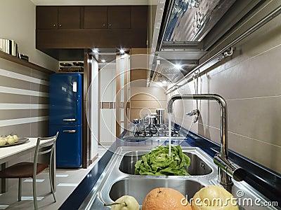 Blauwe keuken royalty vrije stock afbeelding   afbeelding: 2433196