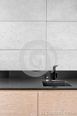 Moderne keuken met grijze tegels stock foto   afbeelding: 82015975