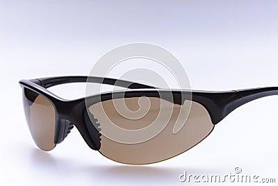 Moderne orange Sonnenbrille