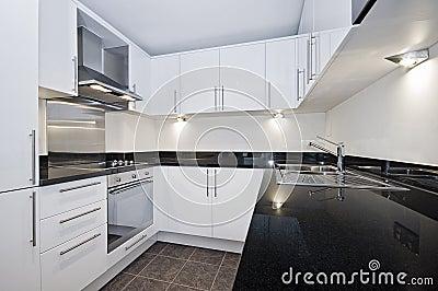 Moderne Witte Keuken Royalty-vrije Stock Fotografie - Afbeelding ...
