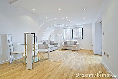 Moderne woonkamer met twee banken in beige royalty vrije stock afbeelding afbeelding 15312446 - Woonkamer banken ...