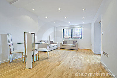 Moderne woonkamer met twee banken in beige royalty vrije - Afbeelding eigentijdse woonkamer ...