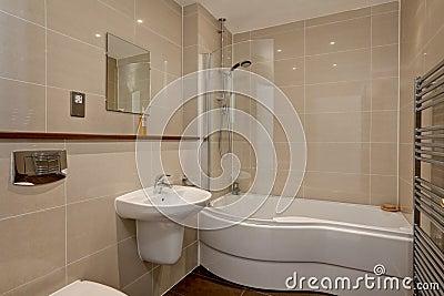 zeitgenössisches badezimmer mit eckdusche stockfotografie - bild, Hause ideen