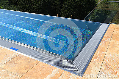 Moderner Swimmingpool