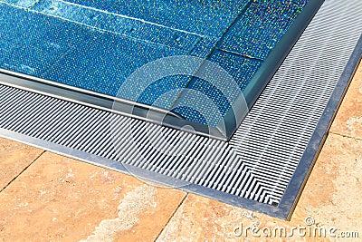 Moderner Swimmingpool