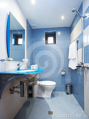 modernes blaues badezimmer lizenzfreies stockfoto - bild: 4971605, Hause ideen