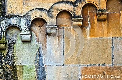 Moist wall with arcades