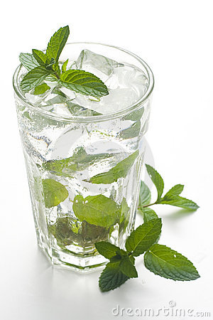 Mojito cool cuban cocktail ice lime mint