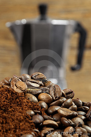 Free Moka Express Coffee Maker 2 Royalty Free Stock Photos - 4264768
