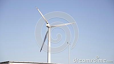 Molino de viento para la producci?n de la energ?a el?ctrica metrajes