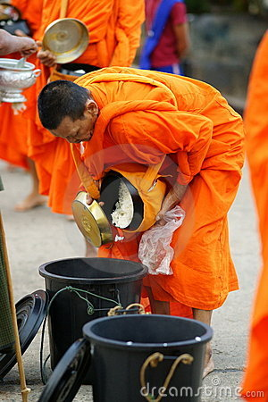 Mon buddhist monks collecting alms Editorial Stock Image