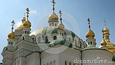 Monast?rio crist?o ortodoxo Abóbadas douradas das catedrais e das igrejas, Kiev-Pechersk Lavra Monastery filme