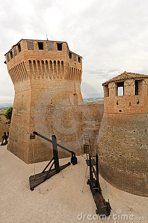 Mondavio (Marches, Italy) - Walls and towers