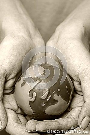 Monde dans des mains