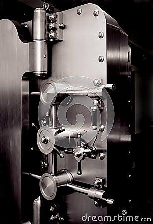 Free MONEY BANK VAULT DOOR, FINANCIAL PLANNING, WEALTH MANAGEMENT Royalty Free Stock Images - 2691919
