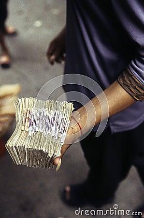 Moneyhandler- Cambodia
