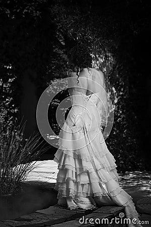 Free Monochrome Bride Next To Fountain Stock Photography - 39180852