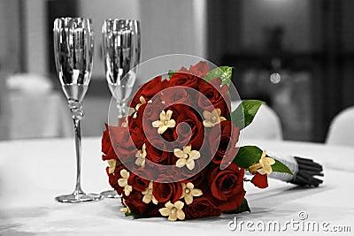 Monochrome Rode Bridal Boquet