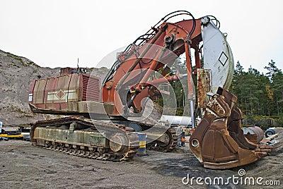 Monstrous crawler excavator, angle 2