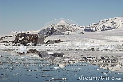 Montagnes antarctiques