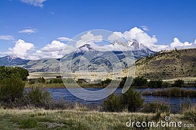 Montana mountain scene