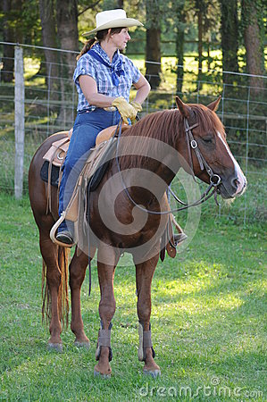 Montar a caballo occidental Foto editorial