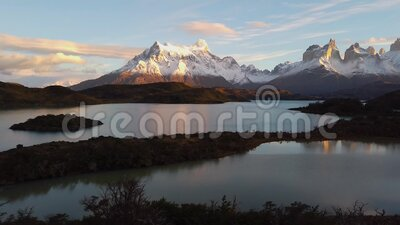 Monte Payne Grande, Lago Nordenskjold en Chile, Patagonia Vista del Monte Payne Grande almacen de video