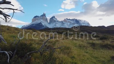 Monte Torres del Paine Macizo montañoso de Patagonia, montaña Torres del Paine metrajes