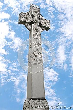 Monument för celtic kors