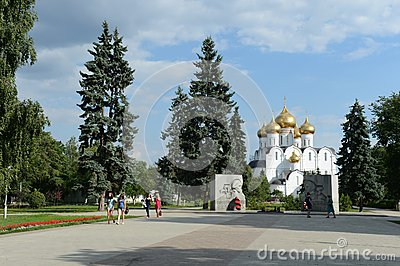 The monument-the monument Eternal flame and the assumption Cathedral. Editorial Stock Photo