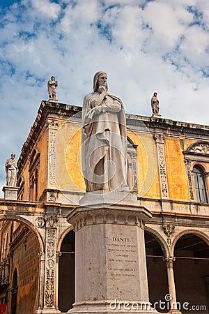 Free Monument Of Dante, Verona, Italy Stock Photography - 27564602