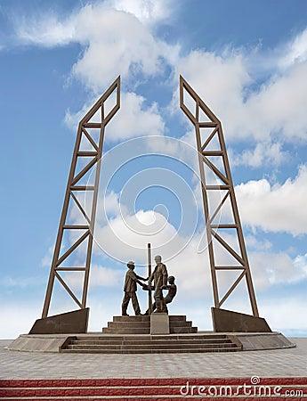 Free Monument Oilmen. Royalty Free Stock Photo - 54998515