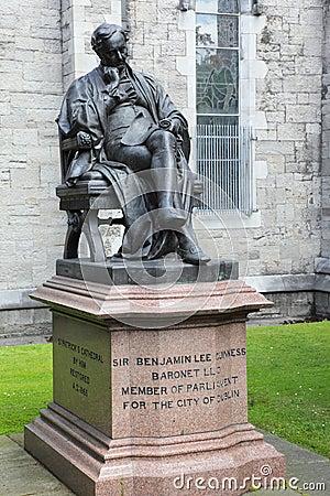 Monument to Benjamin Guinness in Dublin, Ireland
