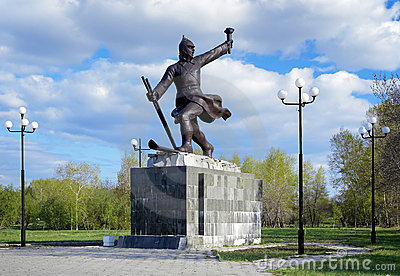 Monument to ice transition in Komsomolsk-on-Amur