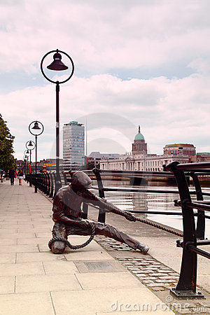 Monument to sailor on banks of River Liffey