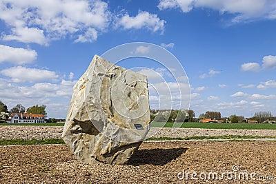 Monumento dedicado a París Roubaix Imagen de archivo editorial