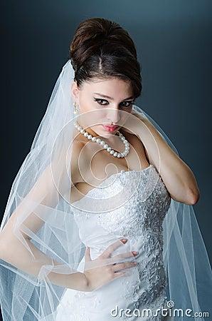 Mooie bruid in studio