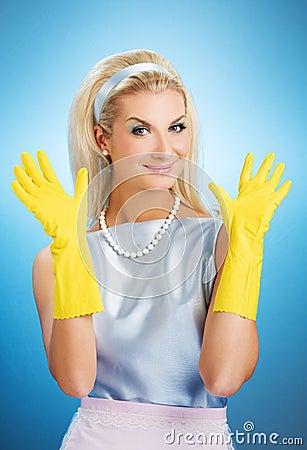 Mooie gelukkige huisvrouw