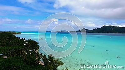 Mooie wilde het zeegezichtmening van het aard4k luchtpanorama over het eiland Frans Polynesia van Tahiti Vreedzaam oceaanwaterpar stock video
