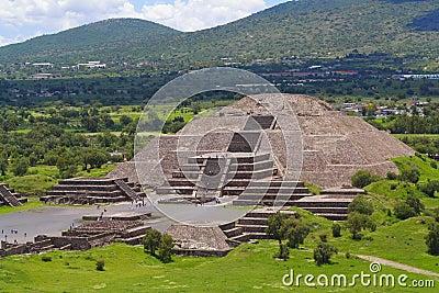 Moon pyramid II