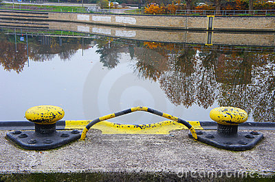 Mooring for riverboats