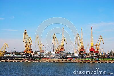 Mooring of trading port