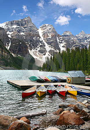 Free Moraine Lake, Banff National Park, Canada Stock Photography - 6848552