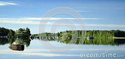 Morning lake s mirror